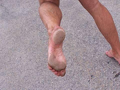Hodanje bosim nogama kao lek