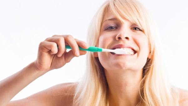 Kako-spreciti-karijes-zuba